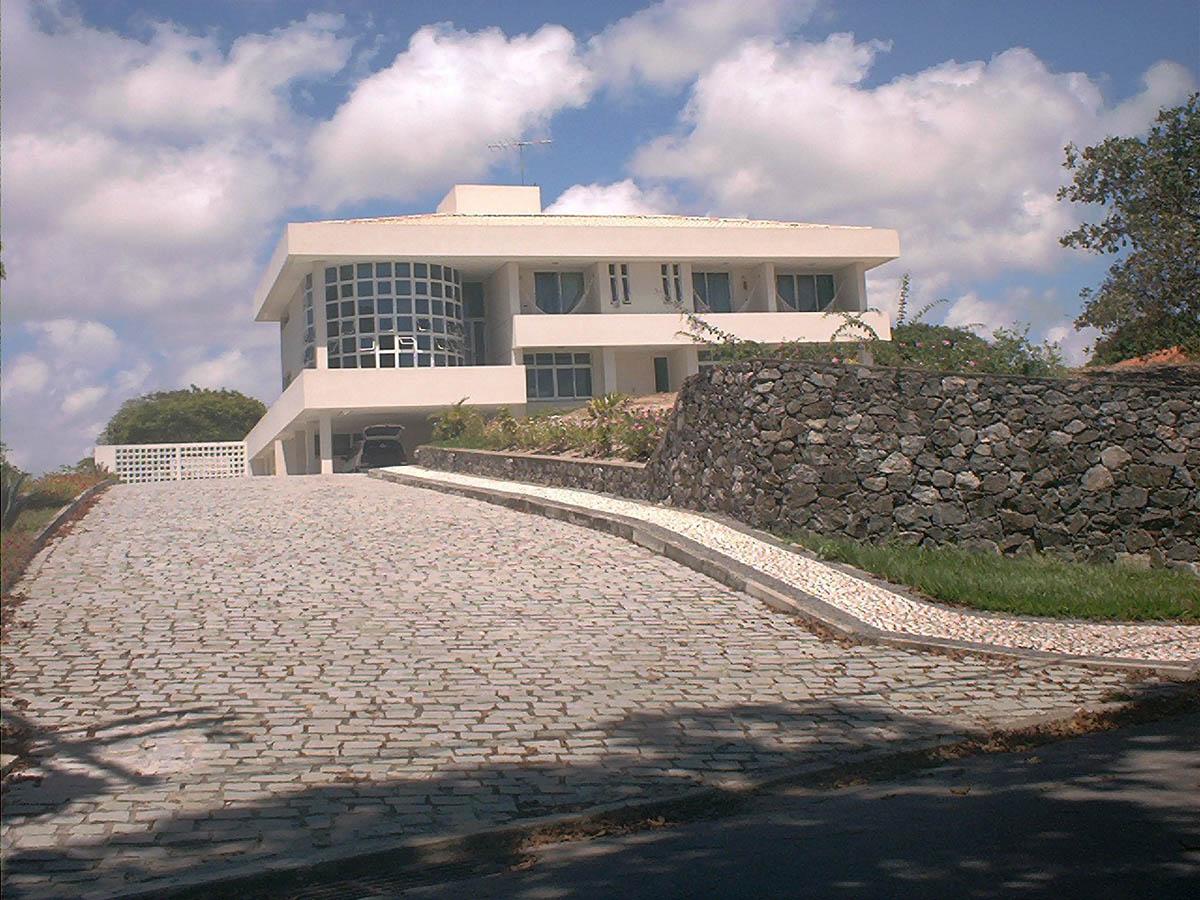 Casas em Encontro das Águas – Engºs Eduardo Franzon / Carlos Maia