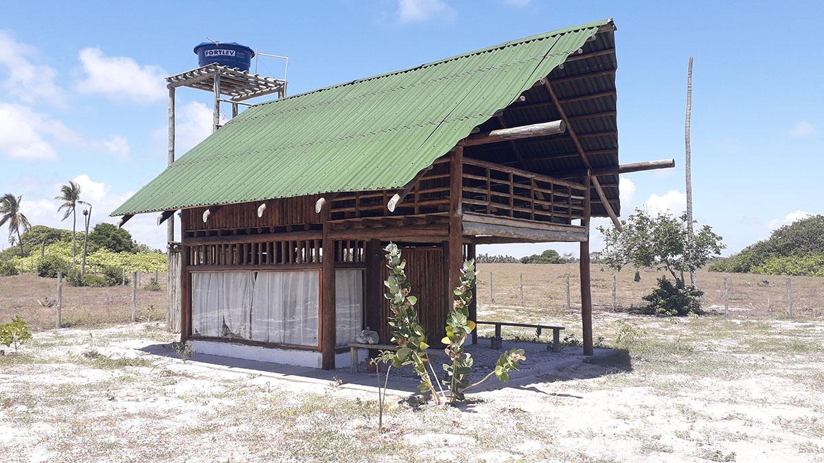 Cabana Rústica – Vila de Coqueiros / Mangue Sêco (Projeto e execução Carlos Maia)